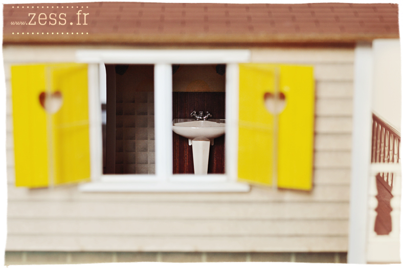 vide grenier chine jouet rétro maison de poupée dollhouse